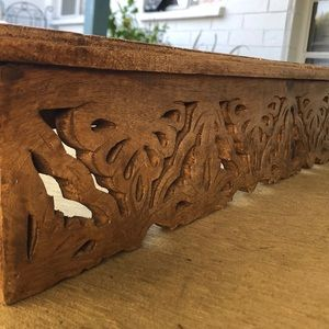 Over door/window wooden curtain rod cover